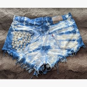 Custom Levi's Cutoff Shorts - W36